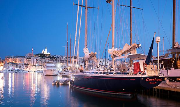 Location-swan65-bateau-marseille